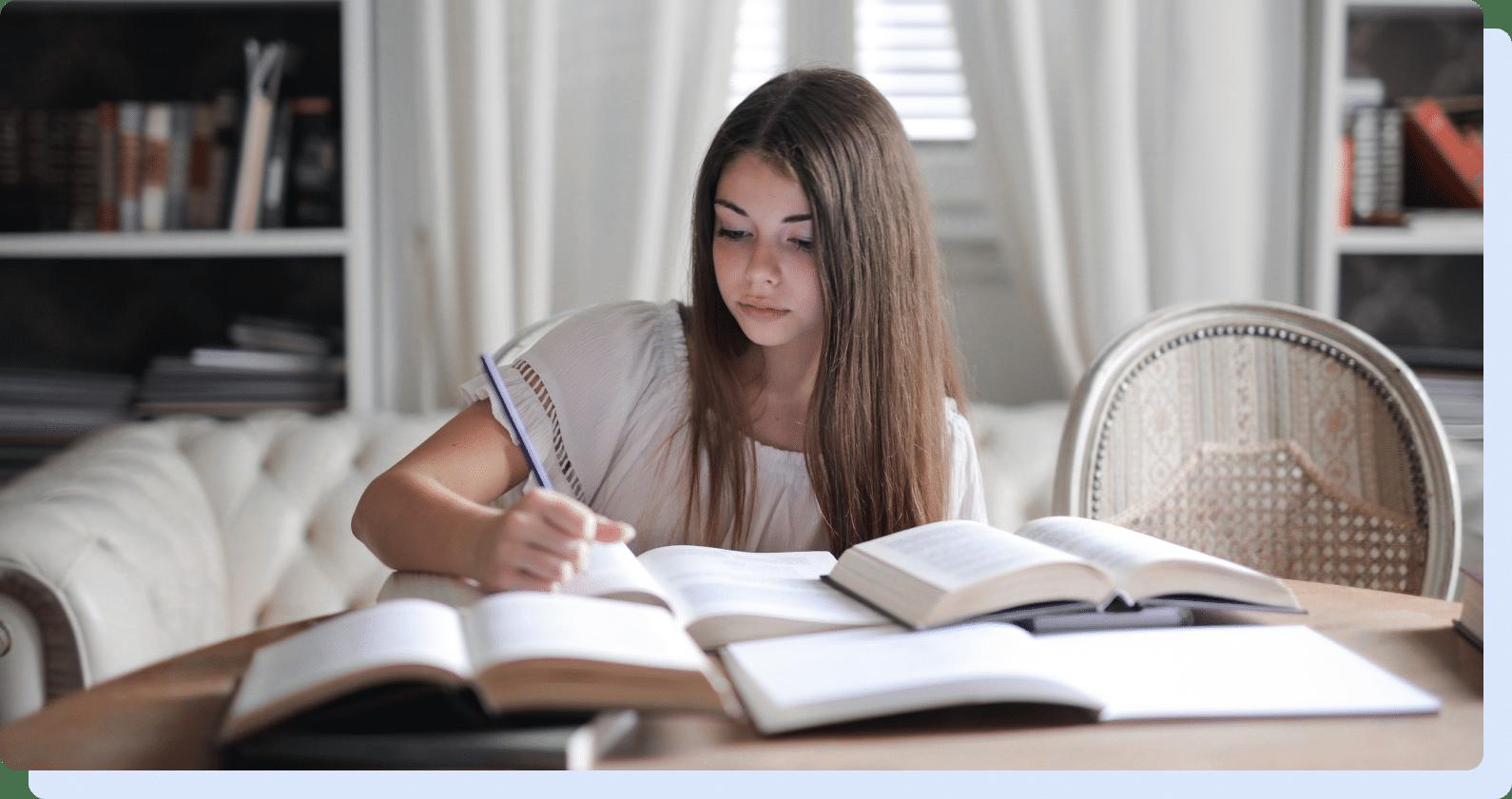 Tüdruk õpib